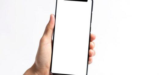 Huawei servis zaradi počenega stekla kamere