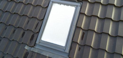 pvc okno in kritina za streho